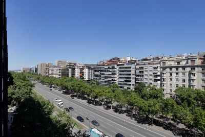 Building for sale in Barcelona, for possible use as a hotel complex